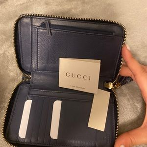 Authentic gucci women's wallet navy blue